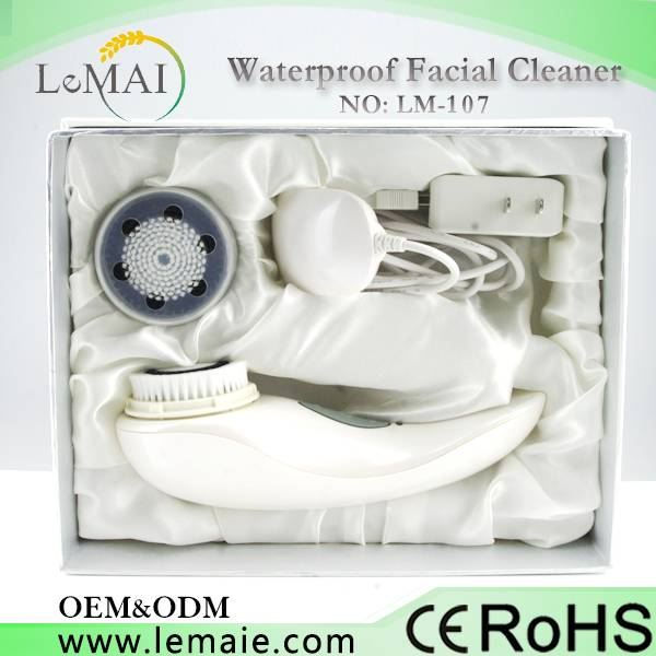Waterproof facial cleanser Brush