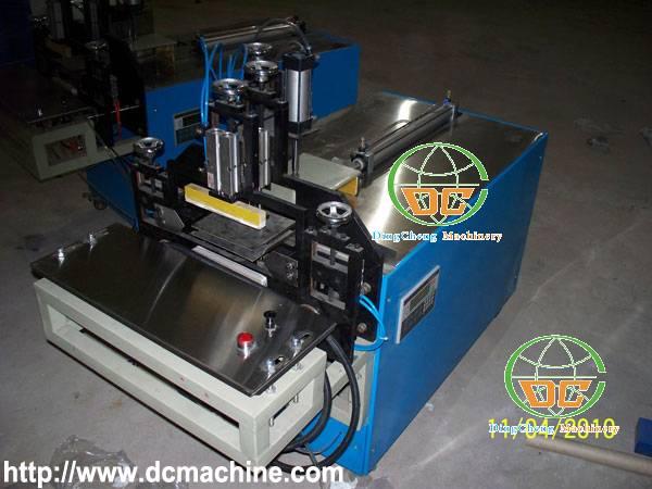 Semi Automatic Napkin Paper PE Bag Packing Machine (DC-NP-PM1)