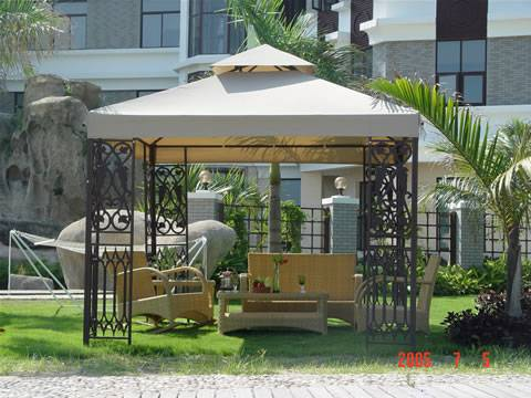 sell Gazebo w/plastic decoration