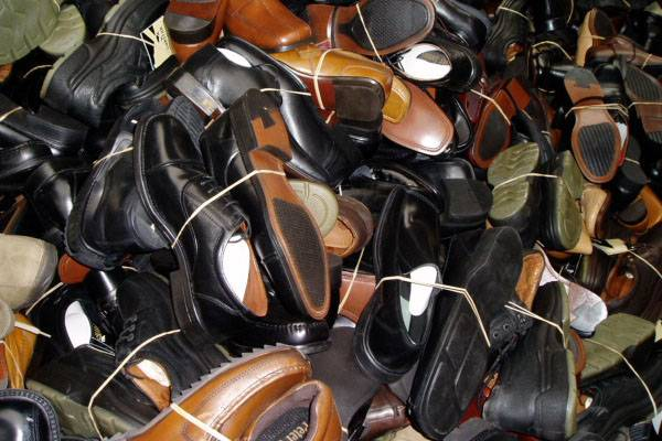Used Shoes/Bags & Clothes........