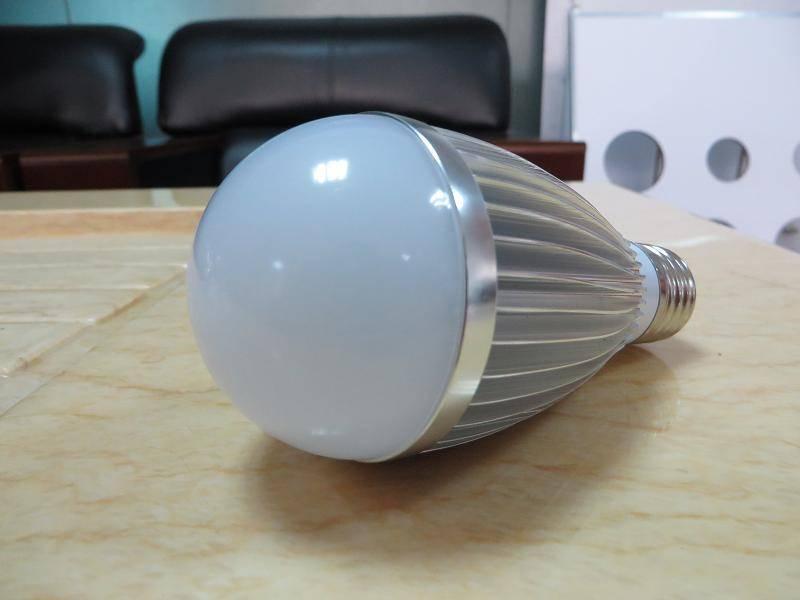 Aluminium E27 12W led bulb