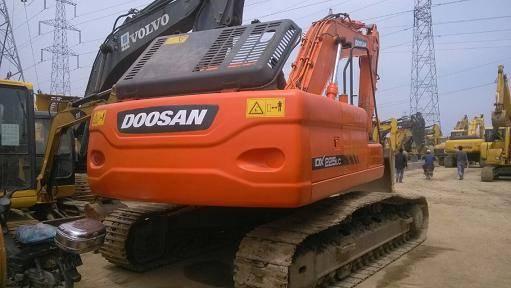 Used Doosan DX225-9 Excavator