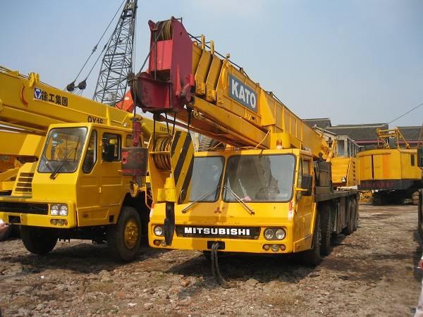 used kato nk500e truck crane for sale in China