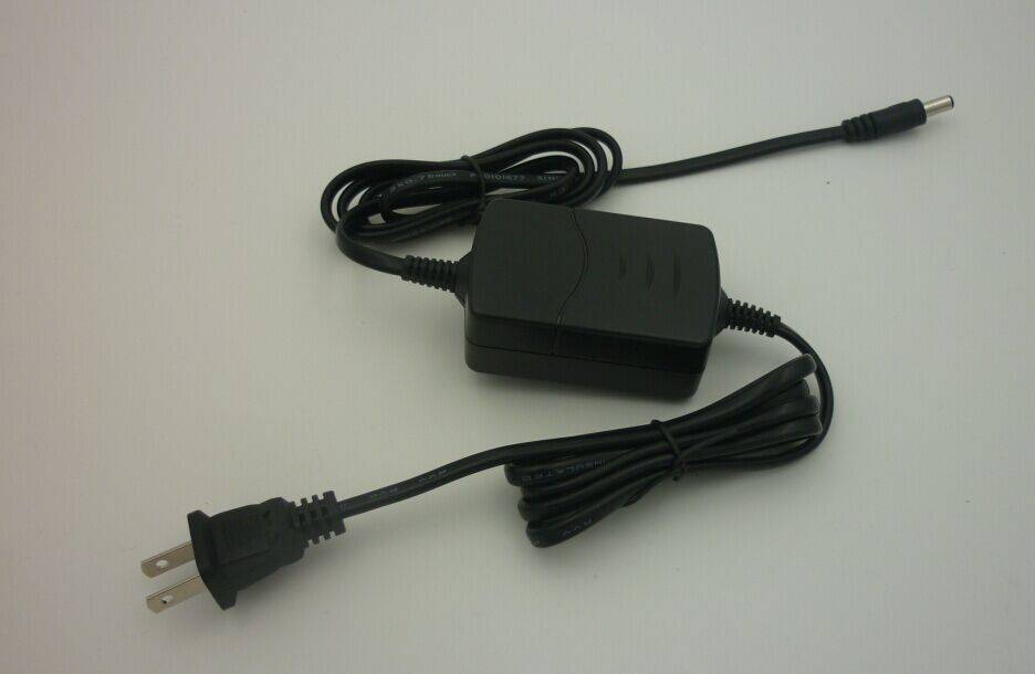12W Power Supply with 100-240V AC Input Voltage, 50-60Hz Frequency
