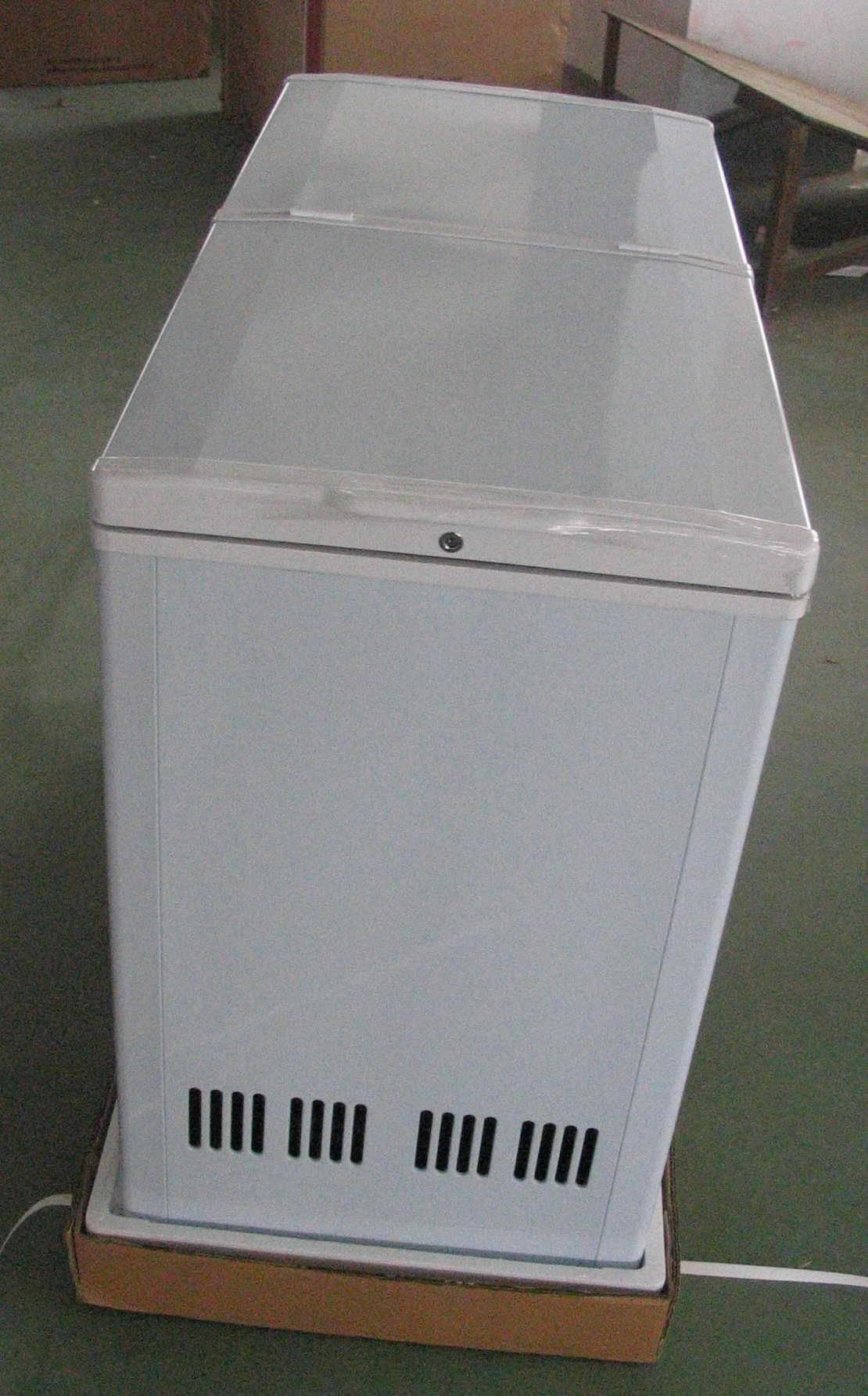 Freezer-butterfly door