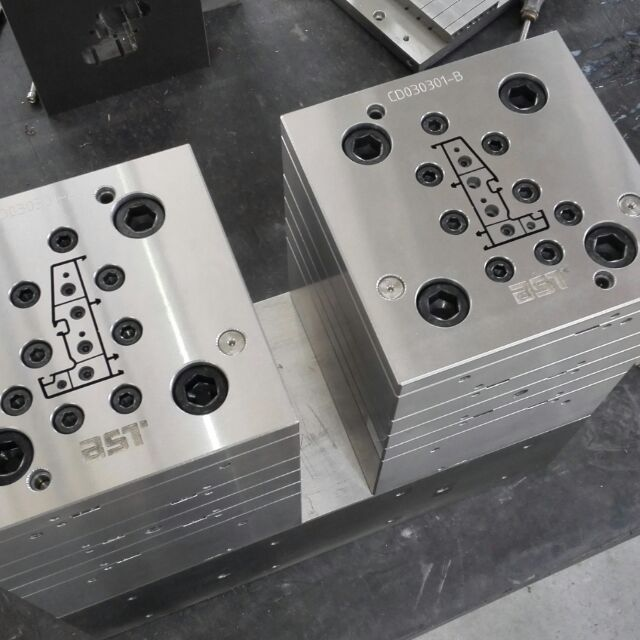 plastic extrusion/extrusion plastic mould/plastic extrusion mould