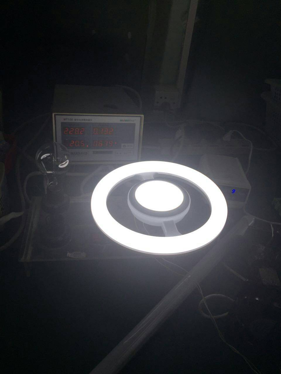 Sell Tri-color dimming LED Circle Lamp 20W CE,ROHS 1600LM
