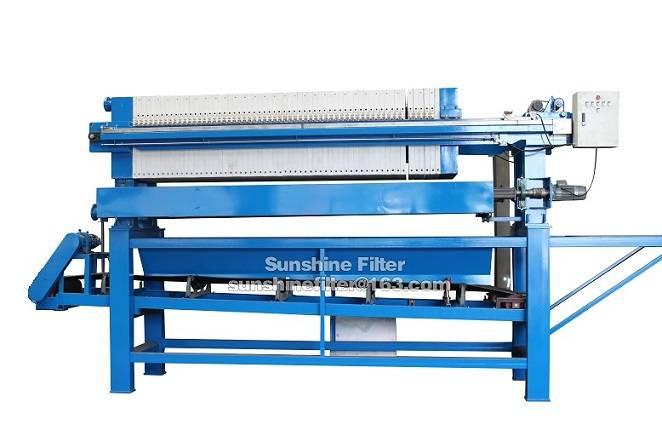 filter press with conveyor belt system