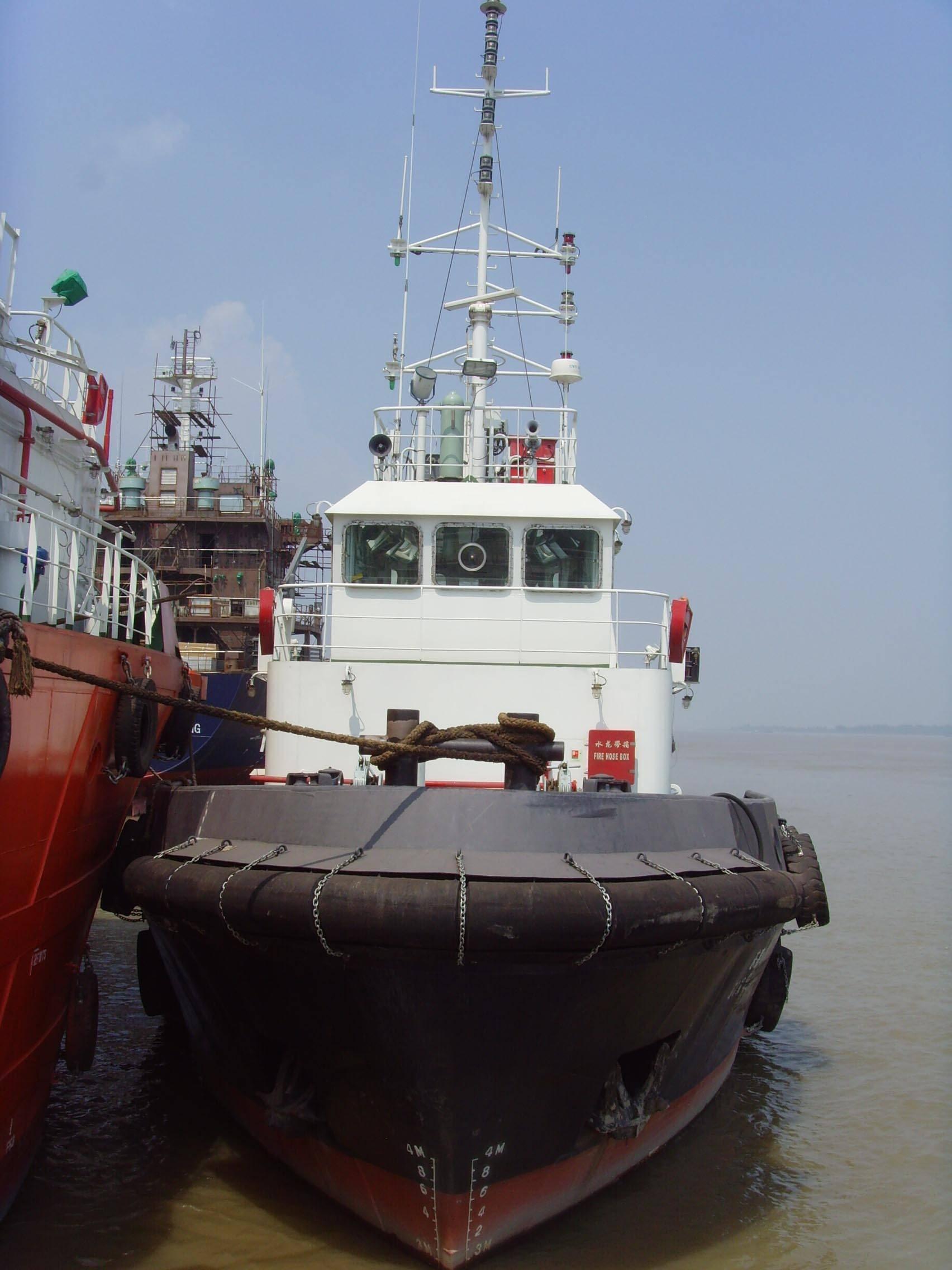 1000 HP Tugboat