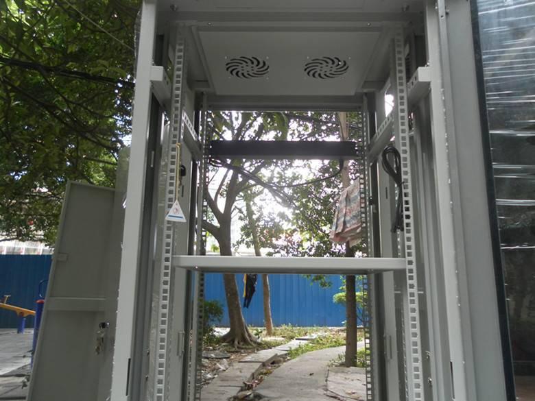 glass front door server network cabinet 32U