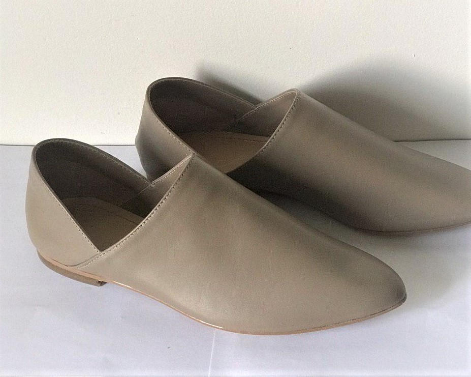 Women's leather shoes (ballet shoes) handmade.