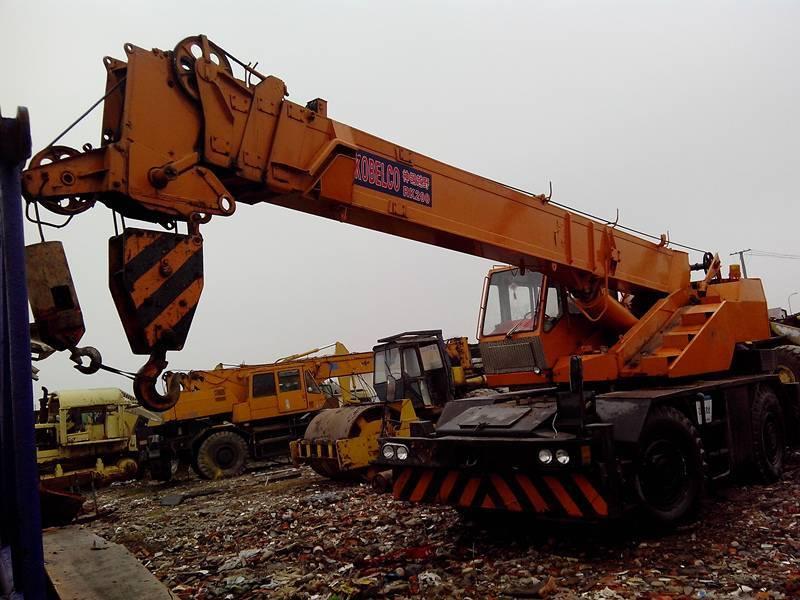 Used Offroad Crane 20 T Kobelco RK200
