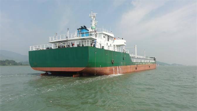 3000 DWT SP Oil Barge
