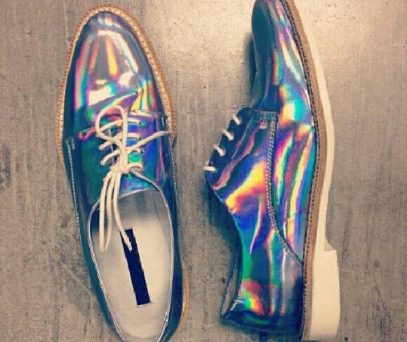 Holographic rainbow transfer film for shoes