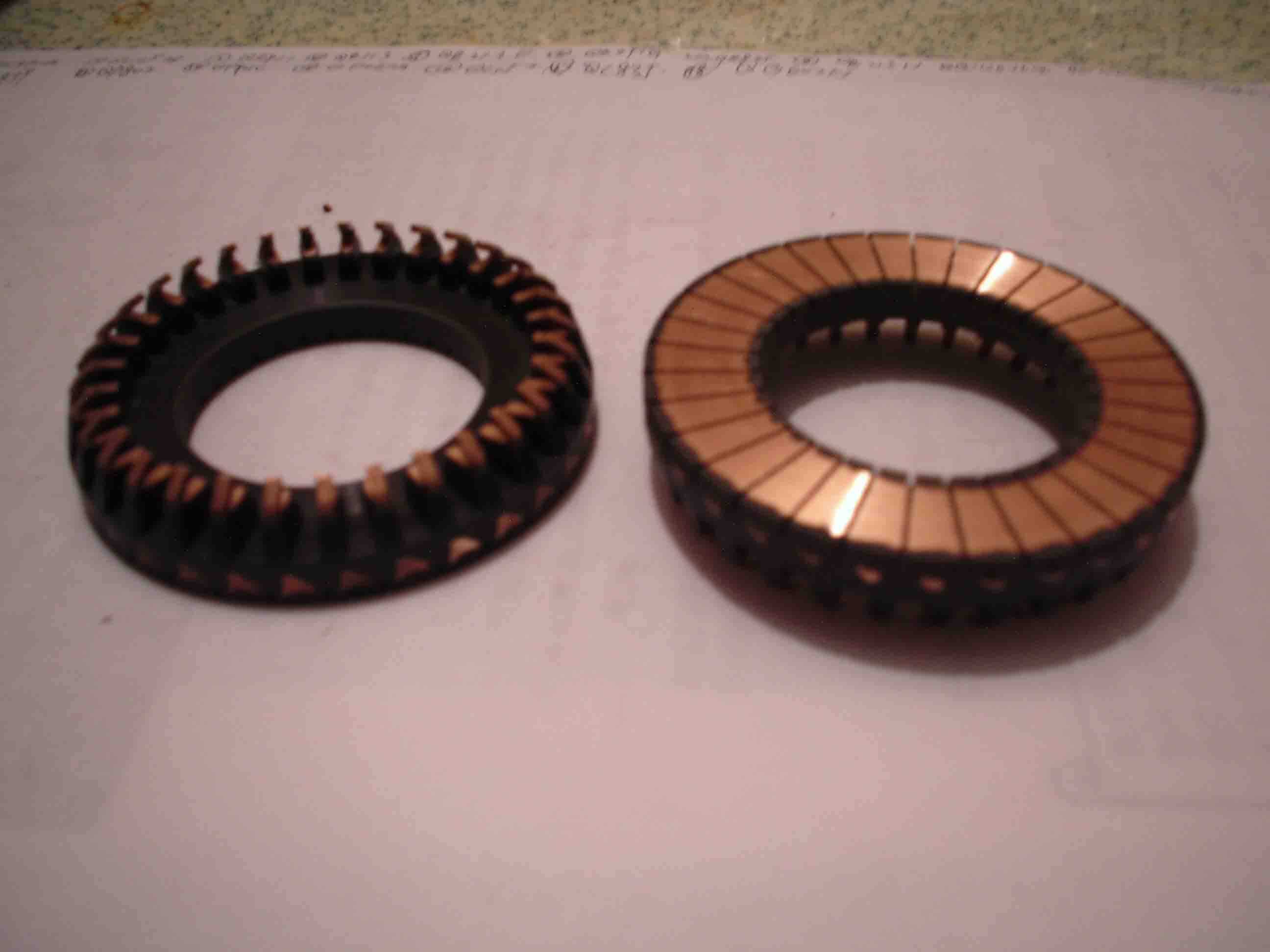 Planar commutator