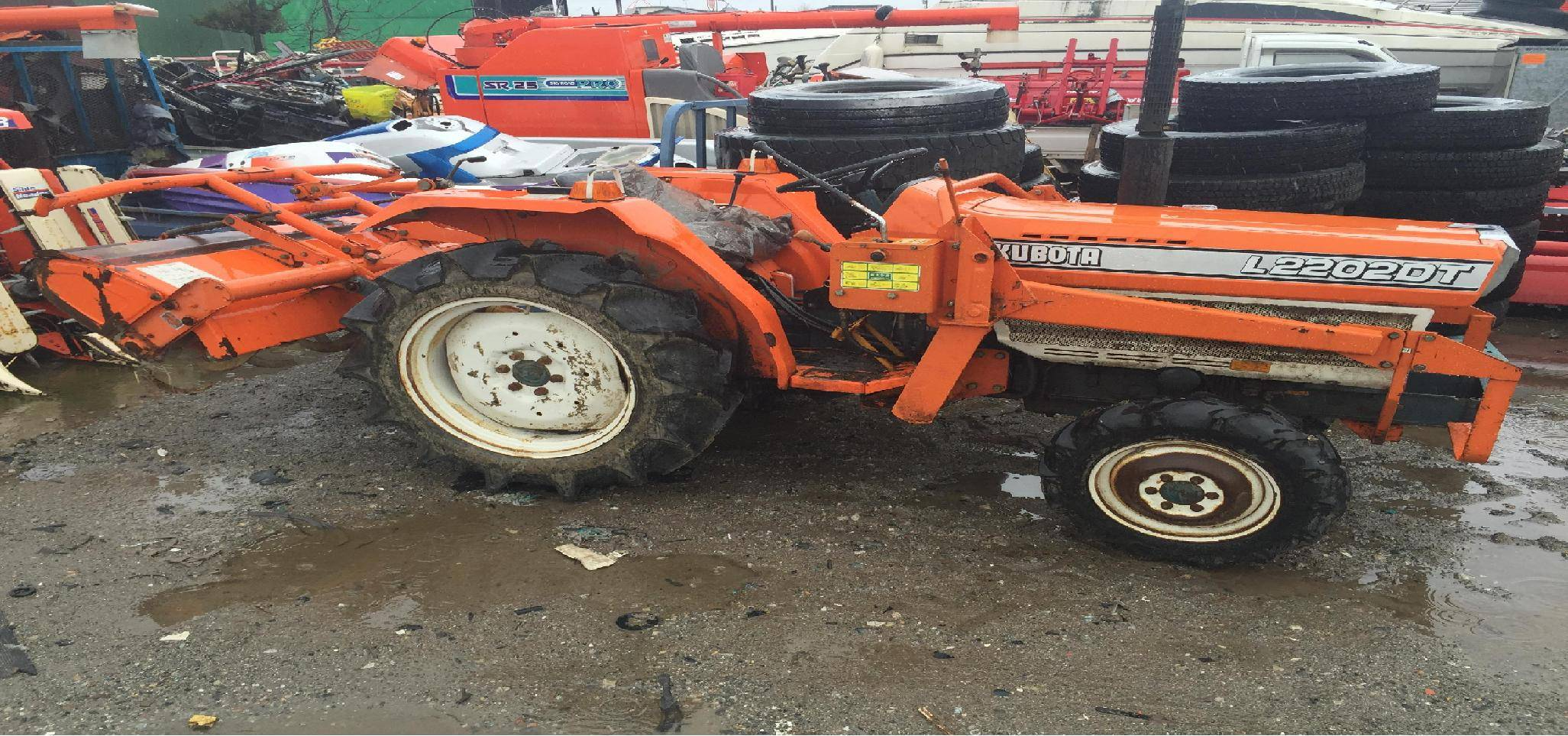 Used tractor Kubota Tractor L2202