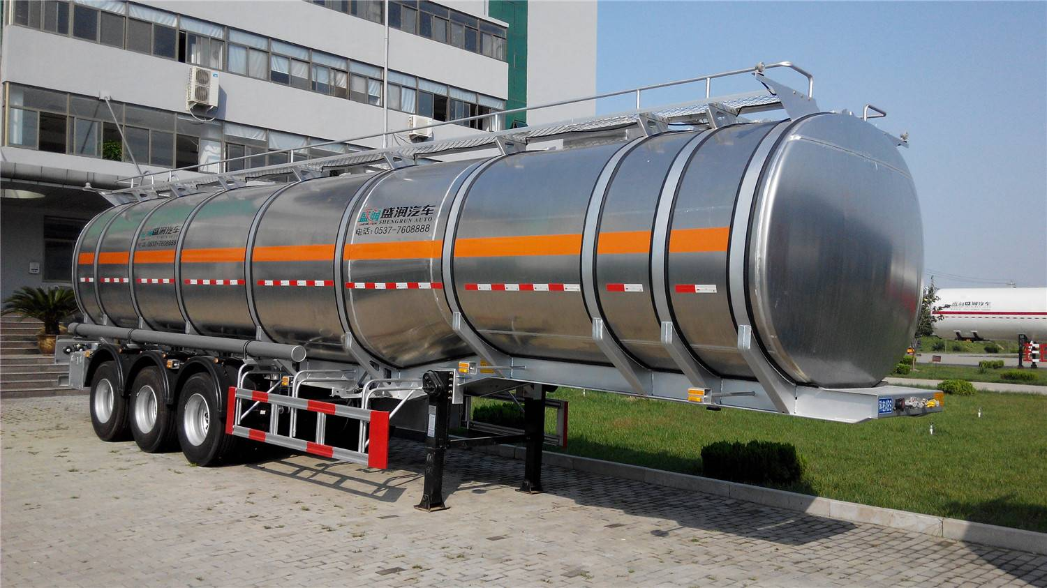China Supplier Trailer Manufacturer Shengrun Aluminum Fuel Tanker Trailer