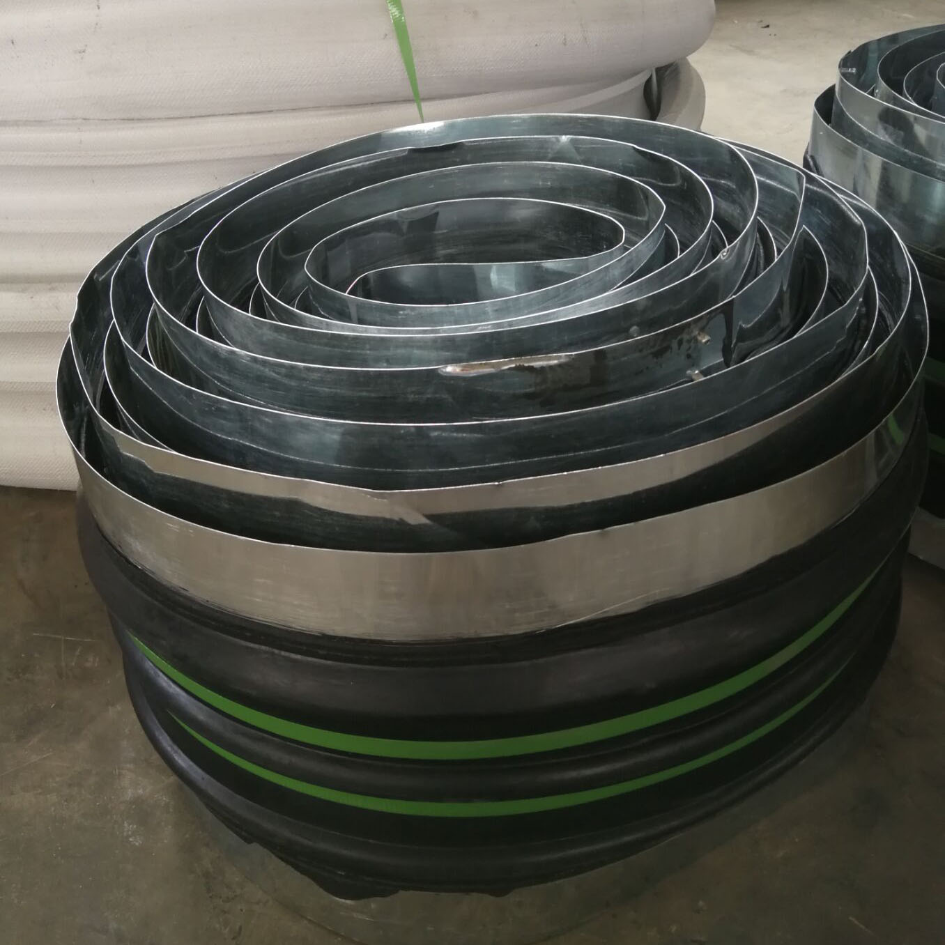different specification steel edge rubber water stop band