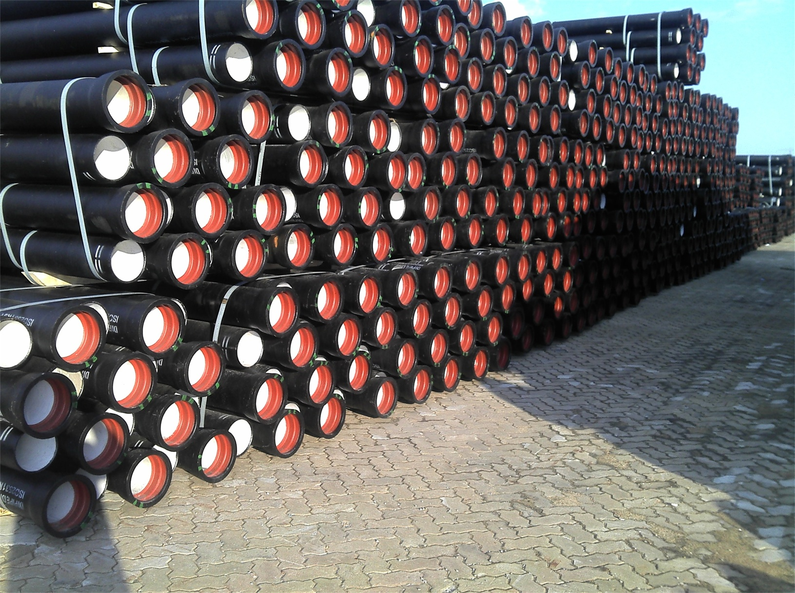 We sell ductile iron pipe with best quality and moderate price.