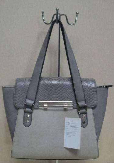 simple design messenger handbag