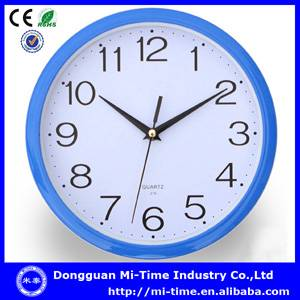 2014 simple round silent sweeping plastic wall clock china supplier