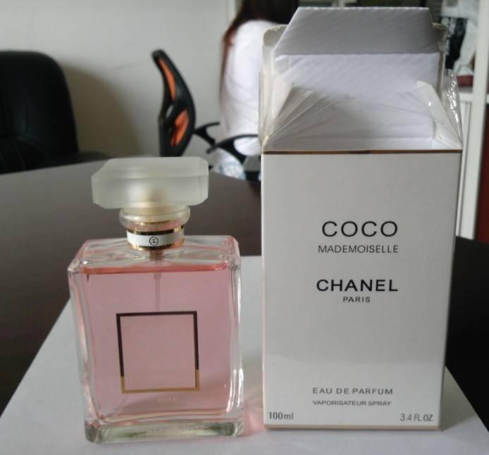 light semll perfume