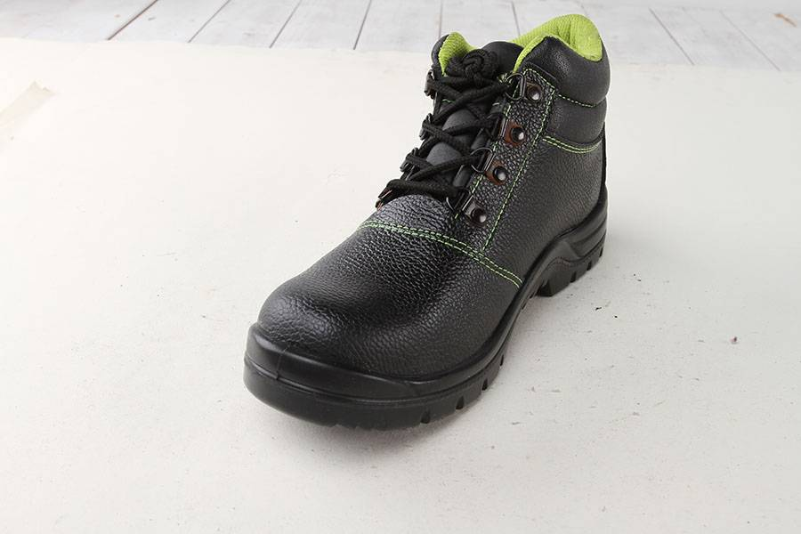Rubber Sole Safety Shoes Oil/Water/ Slip Resistant