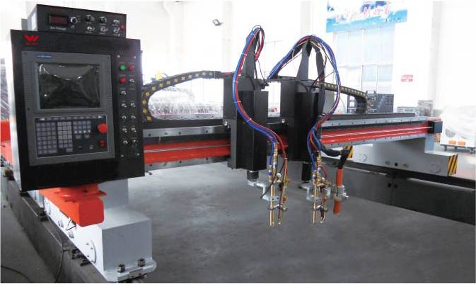 CNC flame and plasma cutting machine