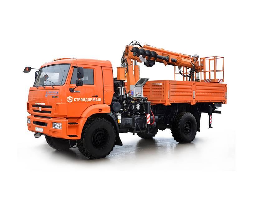Digger Derrick Truck Pole Setter