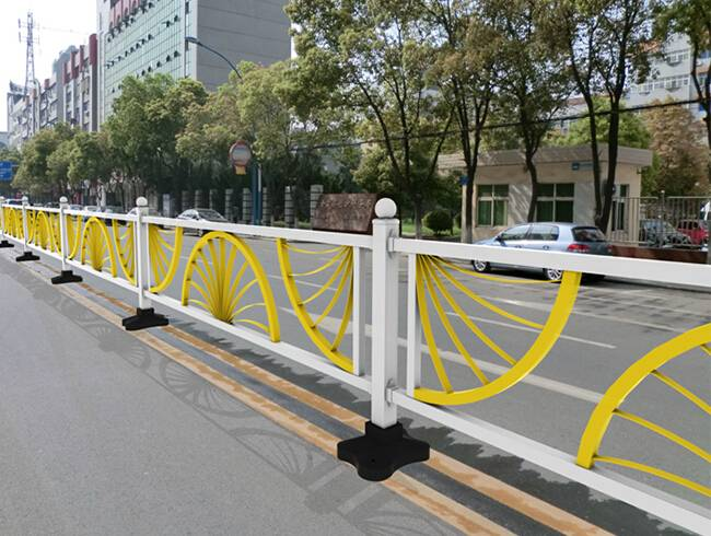 creative road isolation fence