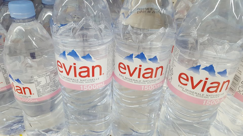 mineral drinking water, Evian Mineral Water,bottled water,spring water,volvic water
