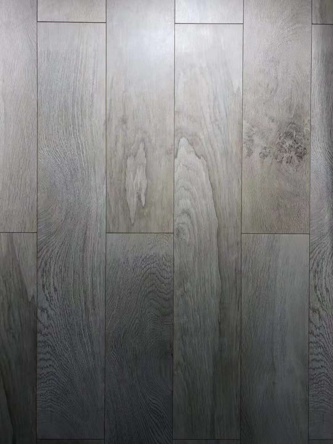 8mm 4 sides beveled EIR laminate flooring