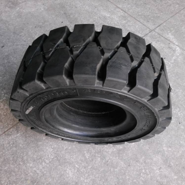 solid tyre 18×7-8