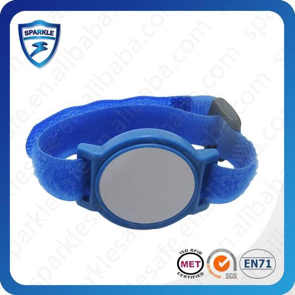 Active nylon RFID wristband