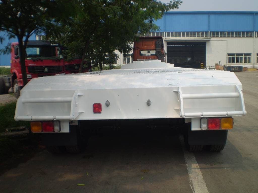 3 axles low bed semi-trailer 70t (In stock)