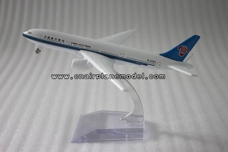 metal model plane B777 China Southern