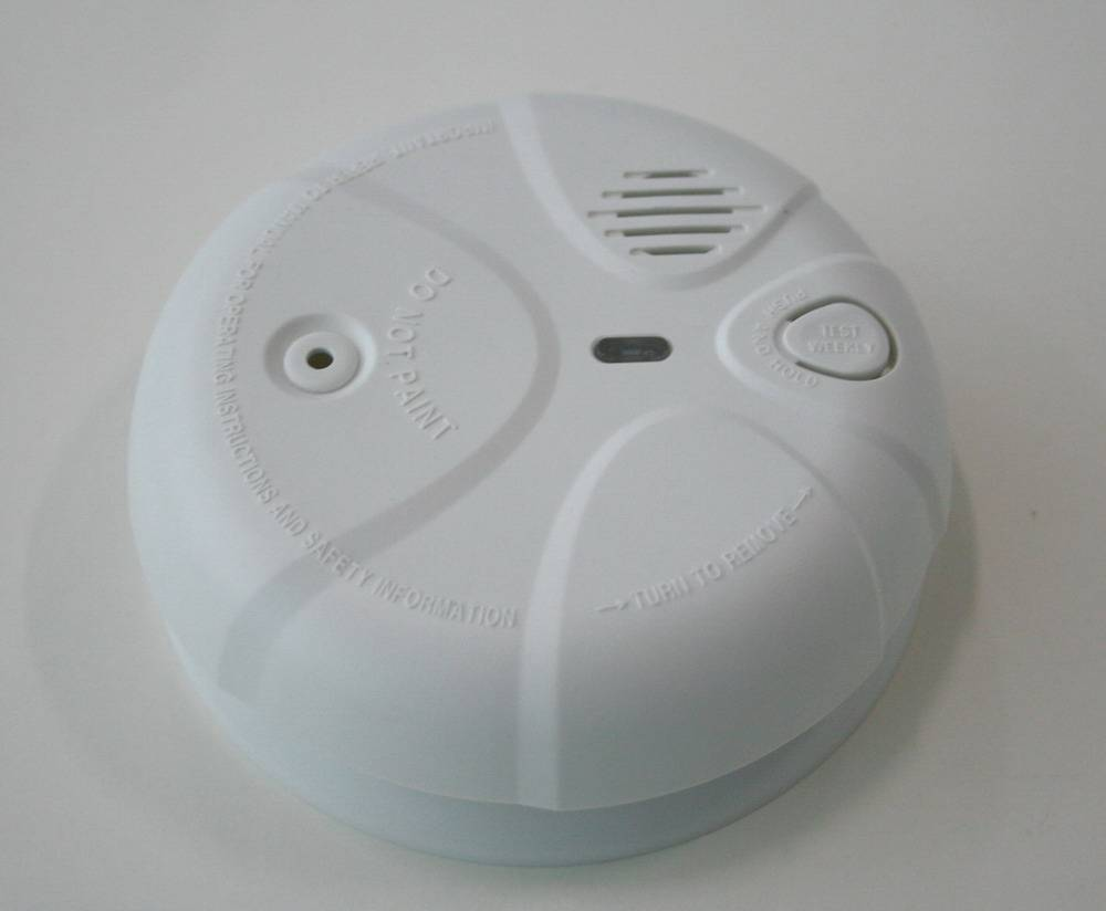 DC Operated Wireless Network Photoelectric Smoke Alarm With Remote Testing Feature