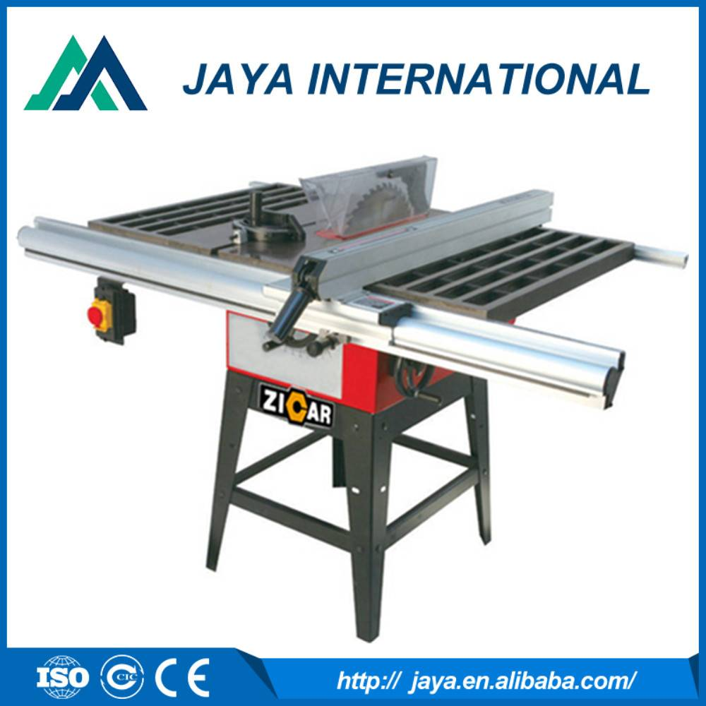 small table saw for cutting wood