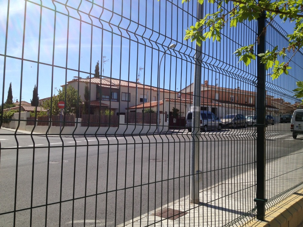 Welded mesh fence wire fencing security fence 3D fence panels