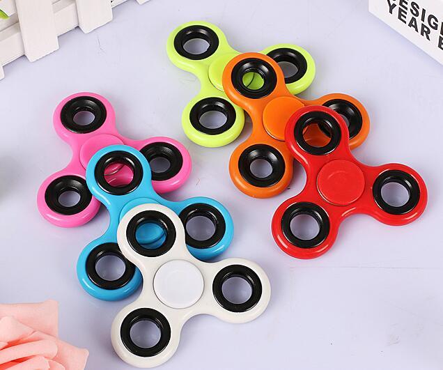 2017 hot sale Wholesale The Plastic Fidget Spinner,Finger Spinner Hand Spinner Toys