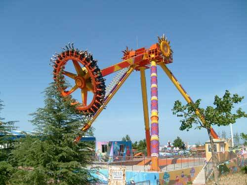 outdoor amusement park ride big pendulum