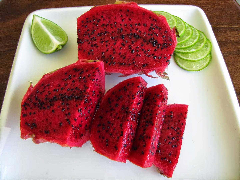 VIETNAM FRESH FRUIT-DRAGON FRUIT, RED SKIN, WHITE- RED FLESH, BEST FRUIT, CHEAP PRICE