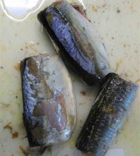 Canned mackerel in nature juice