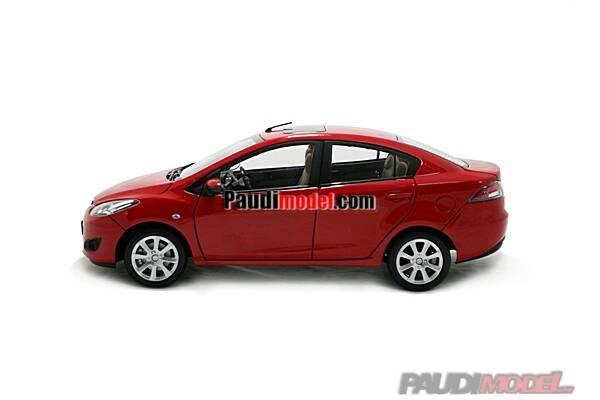 1/18 Mazda M2 Sedan 2009