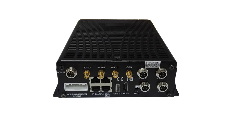 Hybrid 8CH HDD Mobile DVR for vehicle surveillance system with 4CH IP cam and 4CH 720P AHD
