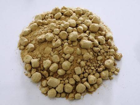 De-oiled rice bran for fish feed