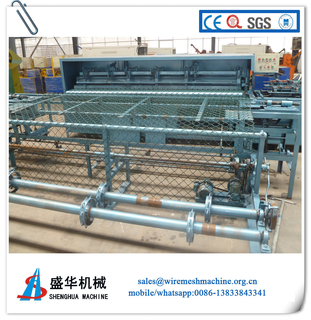 Full automatic Chain link fence machine(mesh size:25x25--200x200mm)