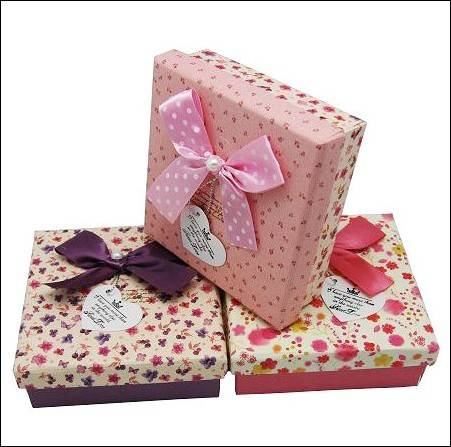 We supply gift box, cardboard box, gift packaging