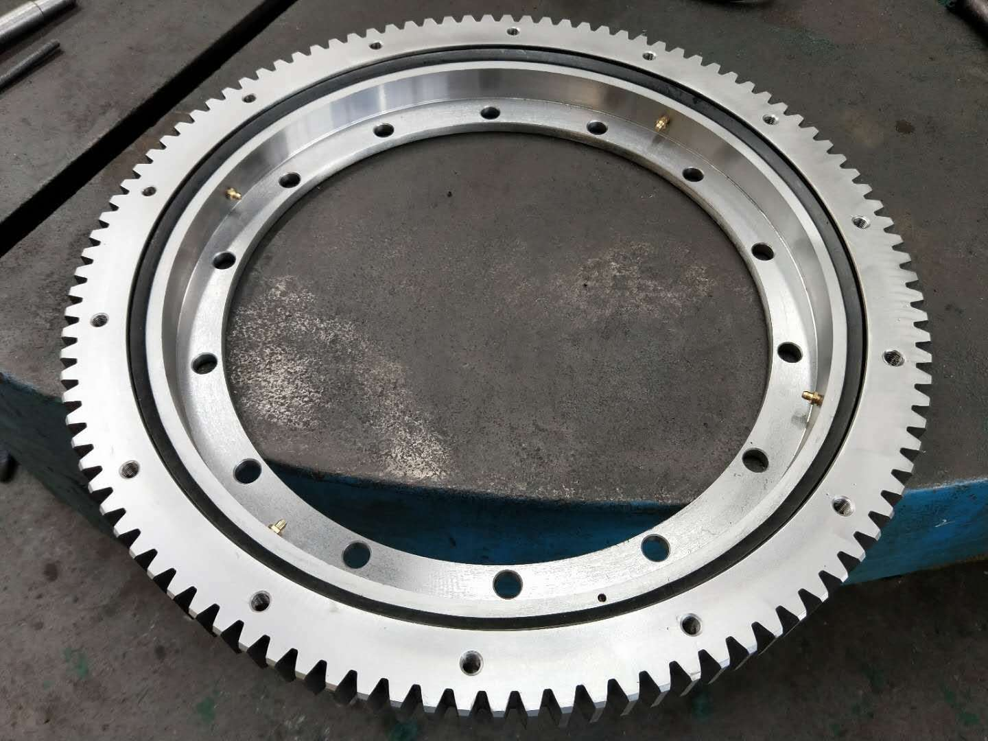 Rothe Erde External gear 50Mn slewing bearing of 231.20.0500.013 slewing ring in stock
