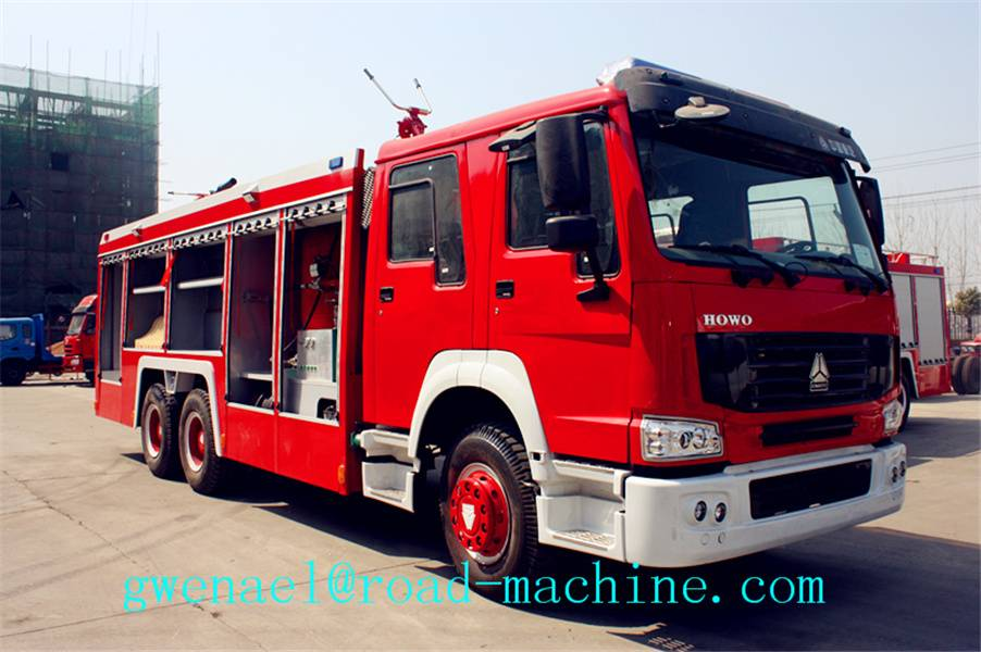 Fire Fighting Truck 12m3 , Fire Engine Truck Red And White Color, ZZ1257N4347C